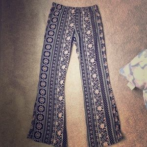Super cute Forever 21 Boho style pant size S